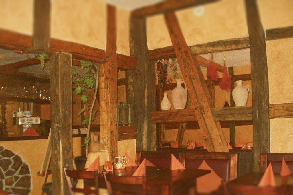 Taverne Olivenbau Innenansicht